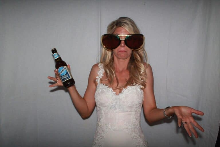 Wedding Photo Booth - Wedding Packages Available (613) 539-0996 We Offer The Highest Quality Photos & Largest Interactive Photo Booths Available. Great For Weddings, Rehearsal Dinners