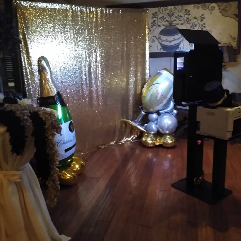 Wedding Photo Booth - Wedding Packages Available (624) 539-0996 We Offer The Highest Quality Photos & Largest Interactive Photo Booths Available. Great For Weddings, Rehearsal Dinners